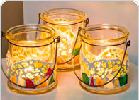 Windlichten, kaarsen en mozaiëk