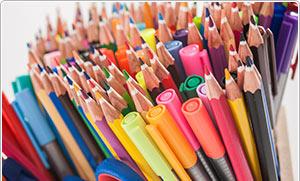 Farben und Zeichenartikel