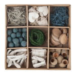 Houten natuur decoratie mix in box - blauw/naturel