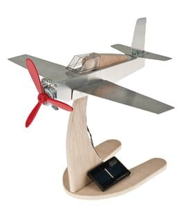 Metallflugzeug mit Solarpropeller