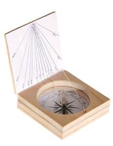 Magnetkompass mit Sonnenuhr