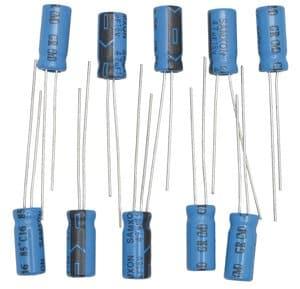 Condensador electrolítico (47 µF) 10 ud.