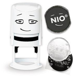 NIO Stempel mit Stempelkissen und Gutschein-Code
