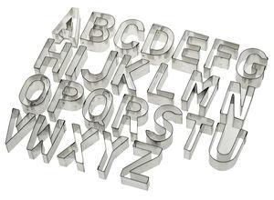 Ausstechformen Metall, 26 Buchstaben A-Z (6 cm)